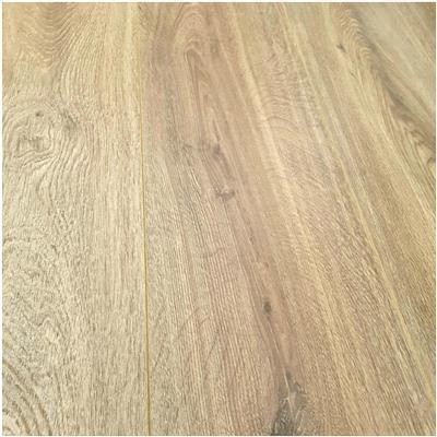 Vochtbestendige laminaat vloeren voor badkamers bij | FloorHouse